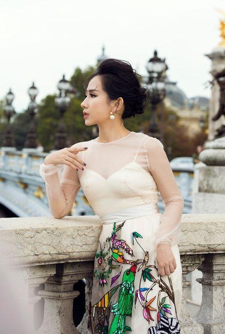 Nu fashionista - doanh nhan Tram Nguyen noi bat tren pho Paris - Anh 2