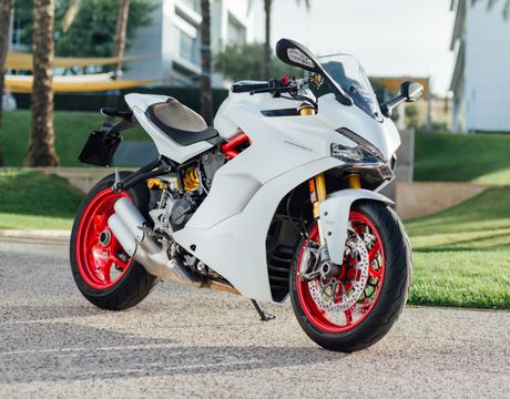 Ducati Supersport 2017 mau xe dep nhat tai EICMA - Anh 1