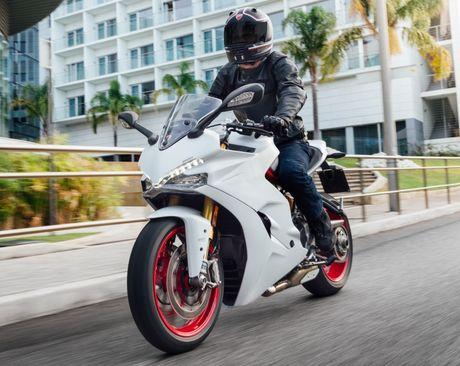 Ducati Supersport 2017 mau xe dep nhat tai EICMA - Anh 2