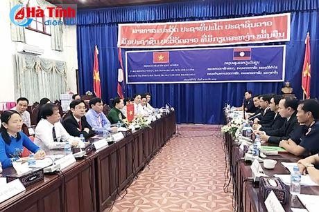 UBKT Tinh uy va Thanh tra tinh Ha Tinh tham va lam viec tai Lao - Anh 1