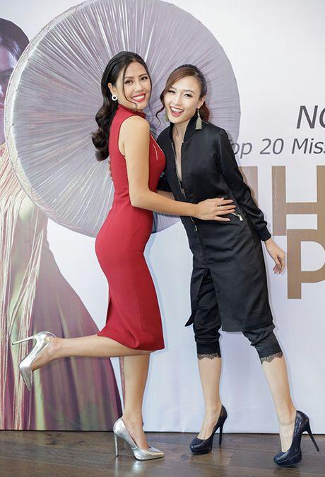 Lan Khue, Phi Thanh Van lot Top Sao mac xau tuan qua (22/11) - Anh 3