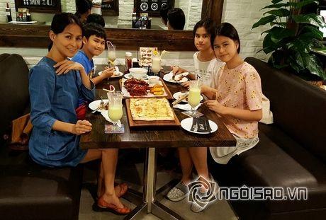 Cuoc song cua Huy Khanh va vo cu sau ly hon - Anh 5