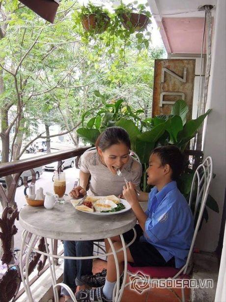 Cuoc song cua Huy Khanh va vo cu sau ly hon - Anh 8