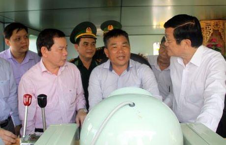 Quang Ngai ban giao tau vo thep thu 12 theo Nghi dinh 67 cho ngu dan - Anh 2