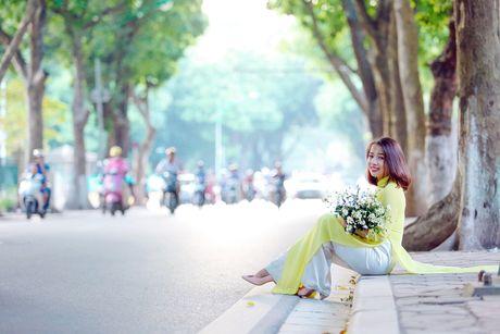 Thieu nu Ha thanh 'do sac' cung hoa cuc hoa mi - Anh 13