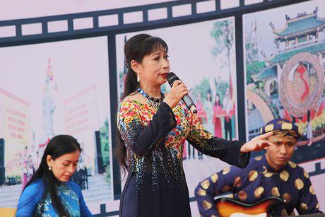 Lan dau tien dua van hoa Nam Bo vao khu di tich - Anh 3