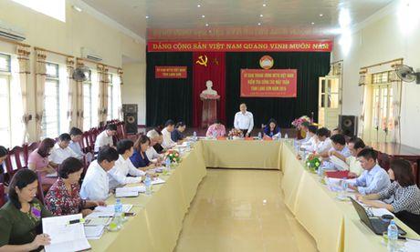 Van dong nhan dan vung giap bien su dung hang Viet - Anh 1