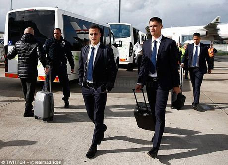 Ronaldo san sang loai doi bong cu khoi Champions League - Anh 3