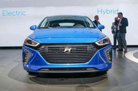 Mau SUV dien cua Hyundai co the chay duoc 320 km moi lan sac - Anh 1