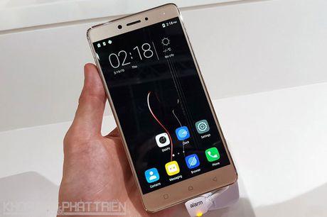 Chum anh smartphone camera 'khung', RAM 4 GB, pin 4.000 mAh - Anh 20