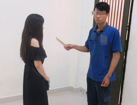 Thieu nu mot minh chong ten cuop co dao o Sai Gon - Anh 1