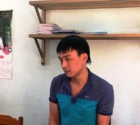 CSGT Thanh Hoa phat hien, bat giu doi tuong dang van chuyen ma tuy - Anh 1