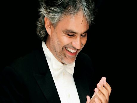 ANDREA BOCELLI: Ca si mu co giong hat thien than - Anh 1