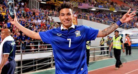 Chum anh: Dan hao thu dien trai tai AFF Cup 2016 - Anh 1