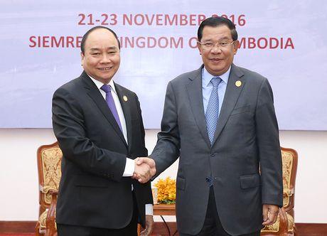 Thu tuong Nguyen Xuan Phuc hoi dam voi Thu tuong Campuchia Hun Sen - Anh 1