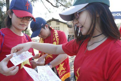 Trai xinh, gai dep Viet Nam 'nhuom do' mot goc Yangon - Anh 1