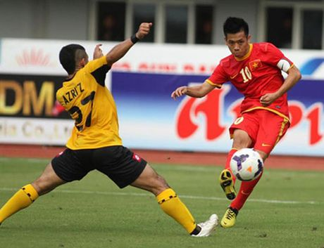 Malaysia - Viet Nam (0-0): Van Toan du bi - Anh 1