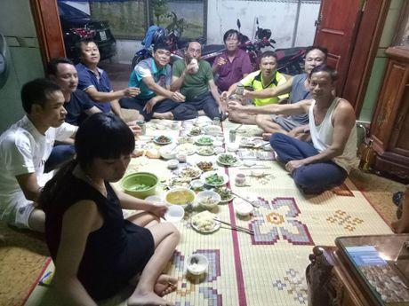 Gia dinh thu thanh Nguyen Manh mo ga co vu DT Viet Nam - Anh 5