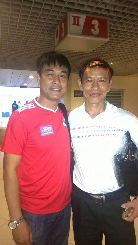 Gia dinh thu thanh Nguyen Manh mo ga co vu DT Viet Nam - Anh 7