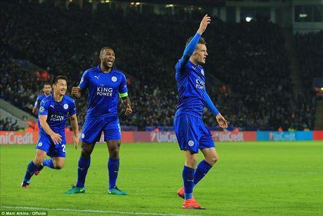 Okazaki va Riyad Mahrez lap cong, Leicester lap ky tich tai Champions League - Anh 1