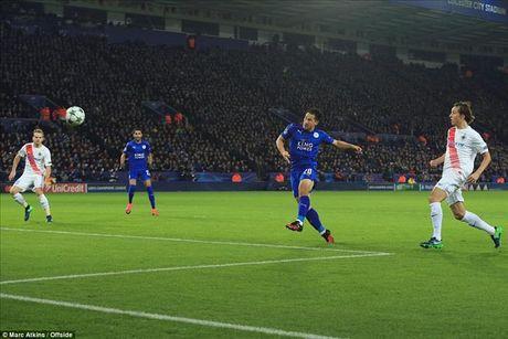 Okazaki va Riyad Mahrez lap cong, Leicester lap ky tich tai Champions League - Anh 2