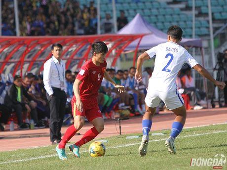 Chum anh: DT Viet Nam 'quat nga' Malaysia gianh ve vao ban ket - Anh 4
