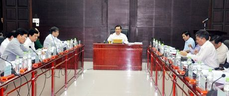 Chu tich UBND TP Da Nang Huynh Duc Tho: Xay dung bang gia dat moi phai bam sat thi truong - Anh 1
