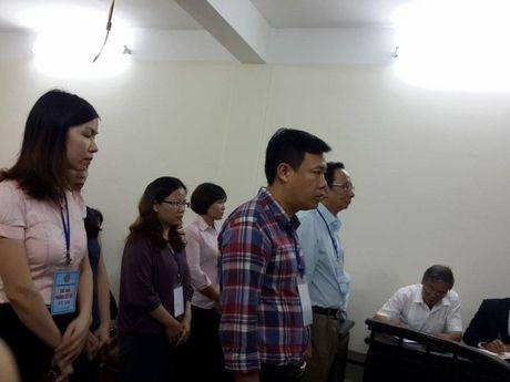 Hoan phien toa xet xu vu an cuu Giam doc Cong ty con ruou Ha Noi - Anh 1