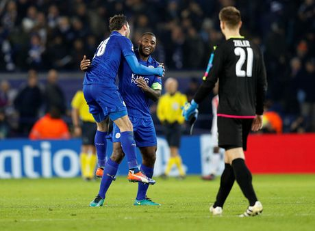 Leicester viet tiep cau chuyen co tich o Champions League - Anh 1