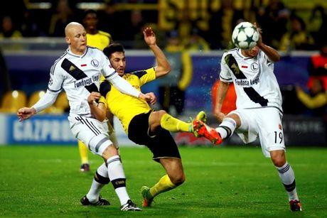 Dortmund thang 'dien ro' truoc CLB Ba Lan - Anh 1