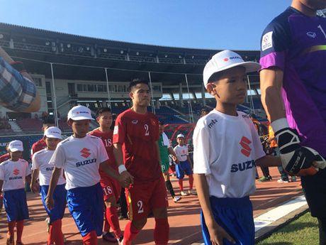 Trong Hoang lap cong, tuyen Viet Nam dat mot chan vao ban ket AFF Cup 2016 - Anh 11