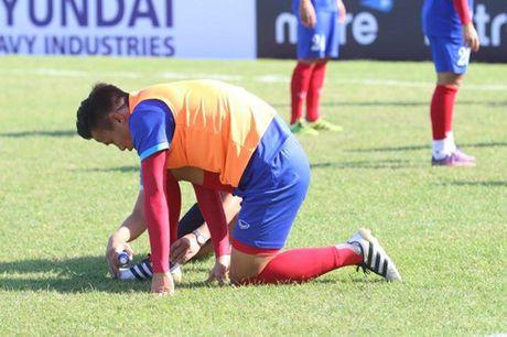 Trong Hoang lap cong, tuyen Viet Nam dat mot chan vao ban ket AFF Cup 2016 - Anh 13