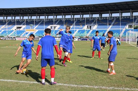 Trong Hoang lap cong, tuyen Viet Nam dat mot chan vao ban ket AFF Cup 2016 - Anh 15