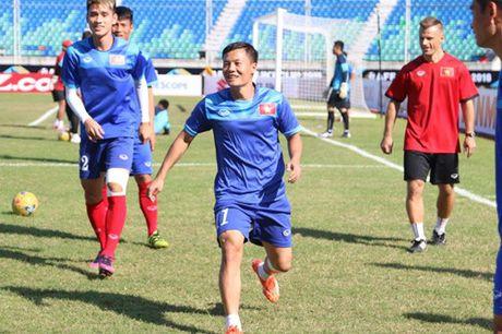 Trong Hoang lap cong, tuyen Viet Nam dat mot chan vao ban ket AFF Cup 2016 - Anh 16