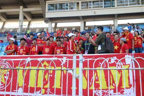 Trong Hoang lap cong, tuyen Viet Nam dat mot chan vao ban ket AFF Cup 2016 - Anh 17