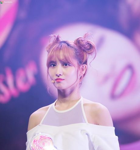"Nu idol xu Han ""phat cuong"" voi bui toc ""Na Tra"" - Anh 4"