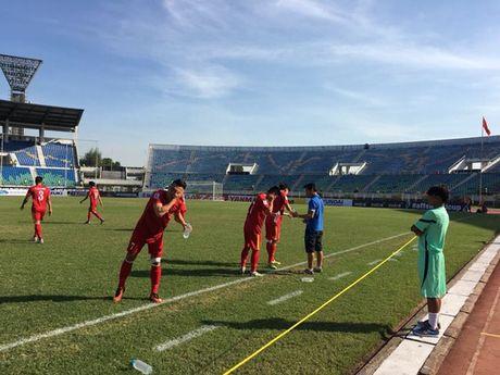 Truc tuyen Viet Nam - Malaysia 1-0: Trong Hoang ghi ban - Anh 4