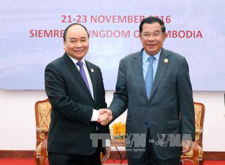 Thu tuong Nguyen Xuan Phuc hoi dam voi Thu tuong Campuchia - Anh 1