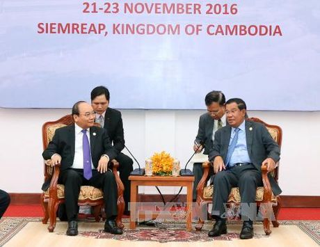 Thu tuong Nguyen Xuan Phuc hoi dam voi Thu tuong Campuchia - Anh 2