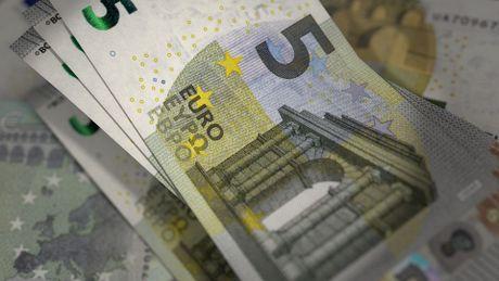 Nguoi Anh se phai tra 5 Euro de nhap canh vao EU - Anh 1