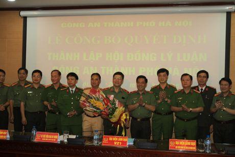 Ra mat Hoi dong ly luan Cong an TP Ha Noi - Anh 1