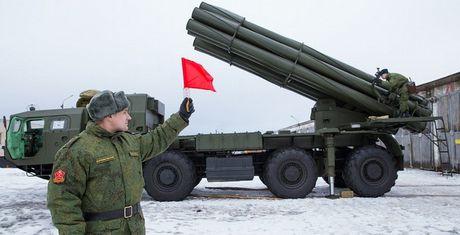 Phao phan luc BM-30 Smerch la con ac mong cua moi loai tang - Anh 2
