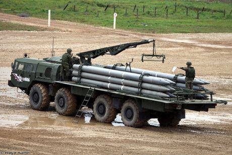 Phao phan luc BM-30 Smerch la con ac mong cua moi loai tang - Anh 4
