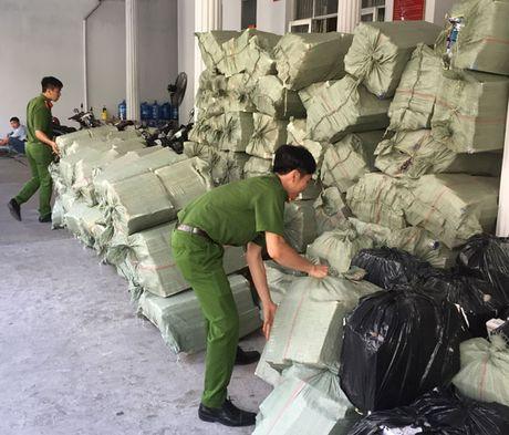 Chinh phu chi dao dieu tra, lam ro vu buon lau 45.000 bao thuoc la tai Long An - Anh 1