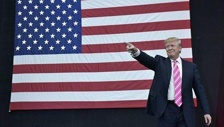 Ong Trump muon 'khoi dong' moi quan he voi Tong thong Nga Putin - Anh 1