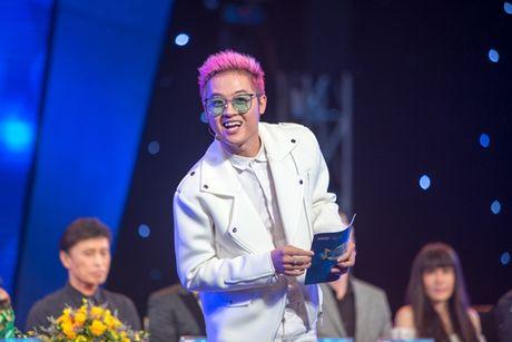 Thanh Duy Idol lam MC trong 'Hoan chuyen bat ngo' - Anh 3