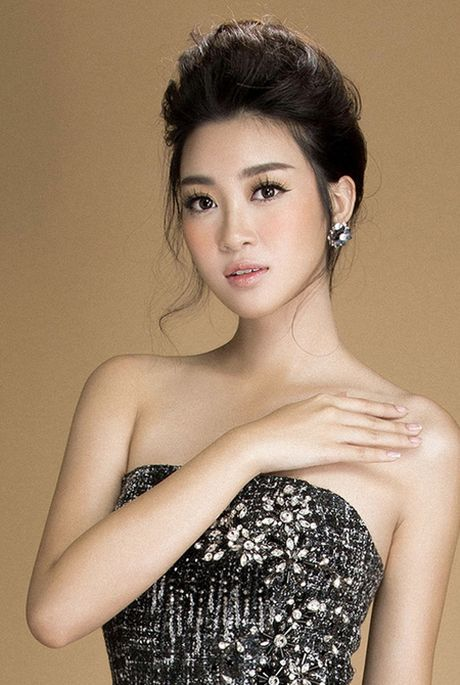 Hoa hau Do My Linh vai tran goi cam voi thiet ke moi cua Do Long - Anh 3