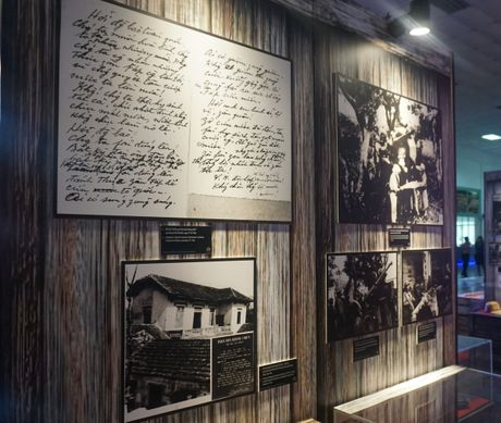Lac vao goc pho mua dong Ha Noi nam 1945 - Anh 6