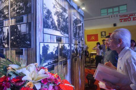 Lac vao goc pho mua dong Ha Noi nam 1945 - Anh 8