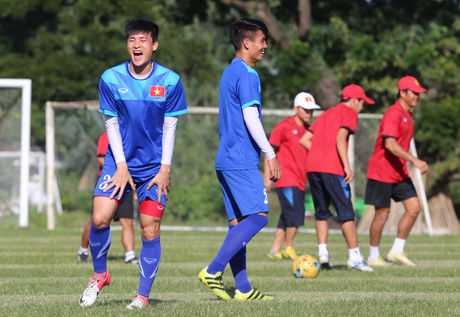 Cong Phuong no luc luyen tap de hy vong duoc da chinh gap Malaysia - Anh 11
